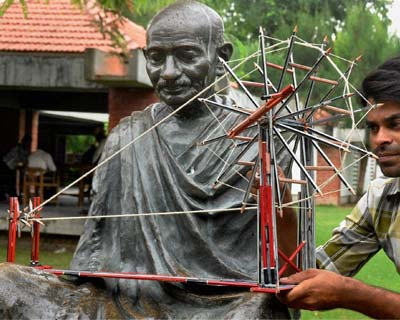 Gandhiji's charkha created with 132 pencils