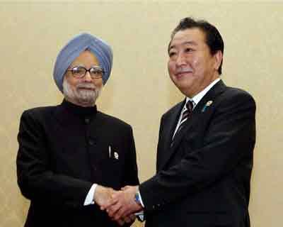 Manmohan Singh meets Japanese PM