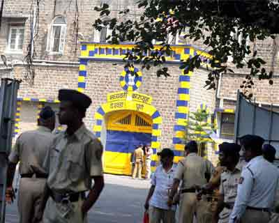 Pune: Police personnel outside the Yerawada jail, where the lone surviving terrorist of 2008 Mumbai terror attacks Ajmal Amir Kasab was hanged to death in Pune on Wednesday.