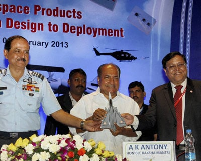Antony attends aerospace seminar