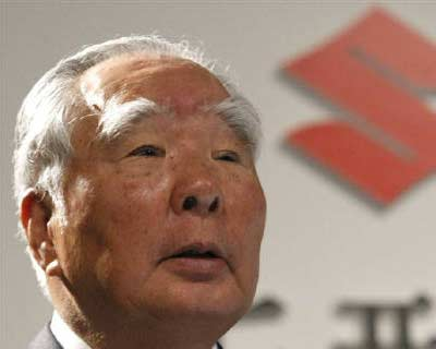 <b><p>Suzuki Motor Corp Chairman and CEO Osamu Suzuki speaks in Tokyo.</b> </p><p> Suzuki Motor Corp said on Thursday it had sent a letter to estranged partner Volkswagen AG refuting the German automaker's claim that it had breached a contract