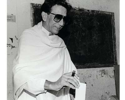 Bal Thackeray casting vote
