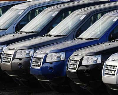 <p>New Land Rover Freelanders are seen outside the Halewood Jaguar and Land Rover factory in Liverpool northern England</p><p><b>Jaguar Land Rover (JLR) plans to partner with Chery Automobile to manufacture vehicles in China and has applied to regula