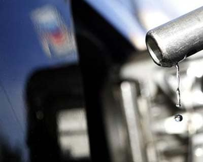 <p><b>Gasoline drips off a nozzle during refueling at a gas station in Altadena, California</b></p><p>Brent crude was steady around $119 a barrel on Thursday, as optimism over a recovery in the US economy offset easing concerns of a disruption in Ira