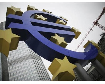 <p><b>A sculpture showing the Euro currency sign is seen in front of the European Central Bank (ECB) headquarters in Frankfurt</b></p><p>The euro rose to a near 15-month high against the dollar on Friday on the single currency's widening yield ad