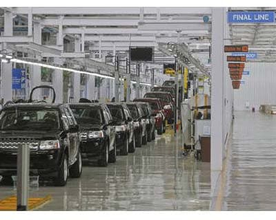 <p><b>Jaguar Land Rover Freelander 2 vehicles are displayed on the production line for the media at their newly-inaugurated production plant in Pune</b></p><p>India&#39;s largest truck and bus maker, Tata Motors, plans to raise up to $500 million ove