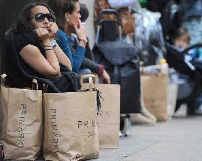 <p>Shoppers sit outside a retail store in Oxford Street in central London</p><p><b>Britain&#39;s economy has probably picked up over the summer, though any third quarter growth will not change a picture of an economy teetering on the brink of recessi