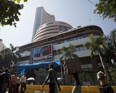 Sensex hits 5-week high