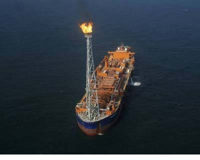 <p><b>Reliance Industries KG-D6&#39;s floating production storage and offloading (FPSO) vessel is seen off the Bay of Bengal</b></p><p>The Comptroller and Auditor General (CAG) has criticised the oil ministry and upstream regulator for allowing some