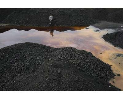 <p><b>A worker walks with a shovel during a lunch break at a coal yard in Jammu</b></p><p>Construction and energy conglomerate Lanco Infratech Ltd has dropped plans to bid for assets of Australia&#39;s Premier Coal, Executive Chairman L Madhusudhan R