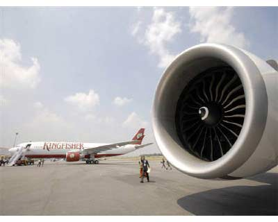 <p>A passenger aircraft of Kingfisher Airlines is seen in Hyderabad</p><p><b>Kingfisher Airlines needs a capital infusion to remain viable, its auditors have said, pushing the carrier's shares to near historic lows on Thursday, amid fierce compet