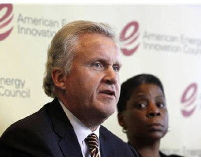 <p><b>General Electric CEO Jeffrey Immelt speaks next to Xerox CEO Ursula Burns about their group's recommendations to Congress and the president to revolutionize US energy innovation at the Newseum in Washington</b>