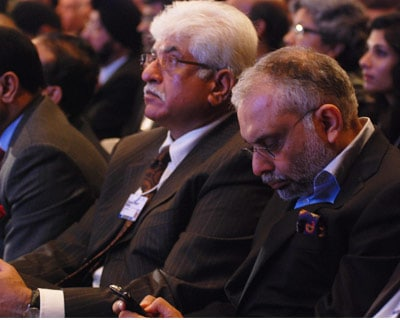 <p><b>Rakesh bharti Mittal(left) and Hari Bhartia</b>