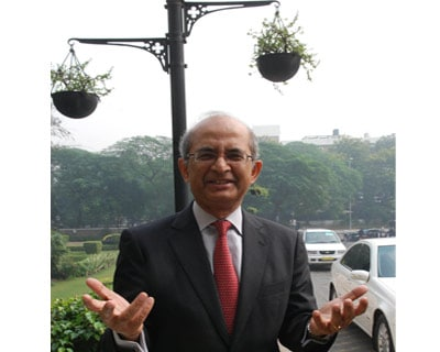 <p><b>Rajat Nag, managing director of Asian Development Bank (ADB) gestures outside the WEF</b>