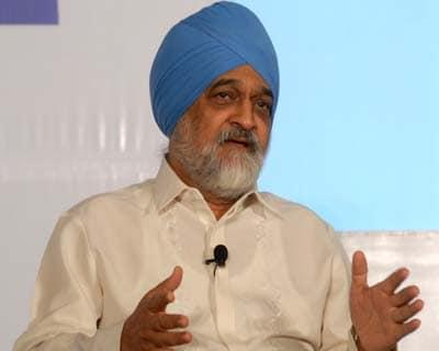 Rating agencies should take India off negative watch: Montek