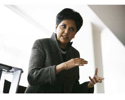<p><b>PepsiCo Chairman and Chief Executive Officer Indra Nooyi speaks to reporters during PepsiCo&#39;s 2010 Investor Meeting event in New York</b>