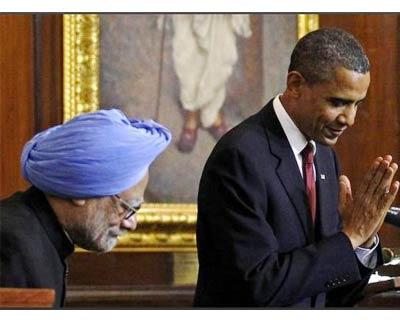 <p><b>Indian Prime Minister Manmohan Singh(left) and US president Barack Obama greet the Members of Parliament on the latter&#39;s arrival at the the Parliament House in Delhi during Obama&#39;s 3-day visit to India</b>