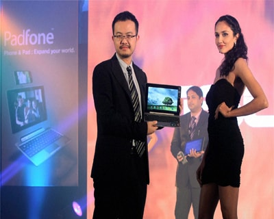 Asus launches Padfone