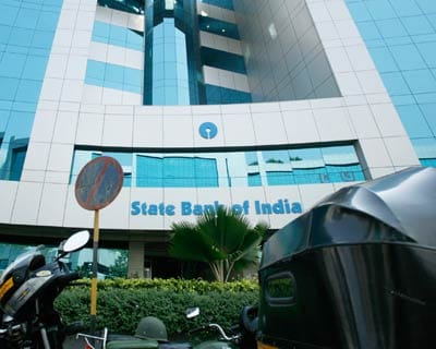 <b>SBI, IDBI Bank cut rates</b>
