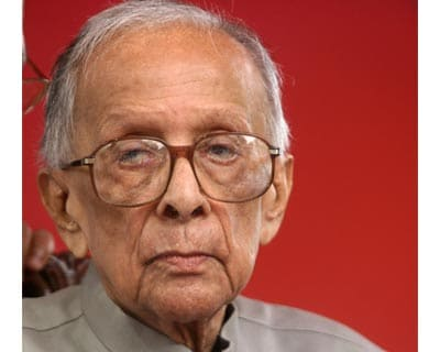 <b>Jyoti Basu, 94, the YouTube star </b>