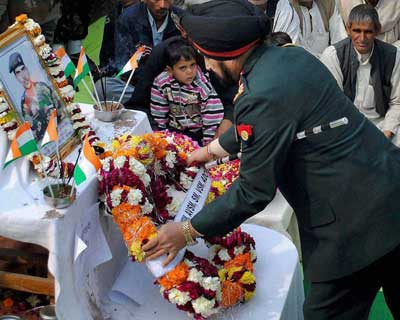 Army chief pays homage to lance Naik