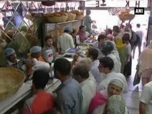 Eid shoppers flock to markets