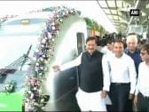 Mumbai Metro runs into technical glitch on first day