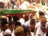 Obama's holy offering presented at Ajmer Sharif shrine
