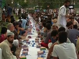 Over 3,000 people take part in 'record-breaking' Iftar party