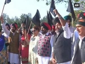 Punjab Congress MLAs protest against state govt.