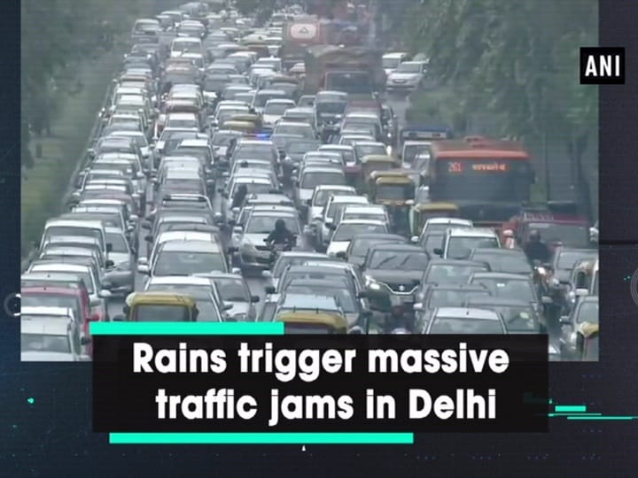 Rains trigger massive traffic jams in Delhi