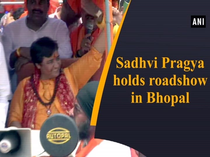 Sadhvi Pragya holds roadshow in Bhopal