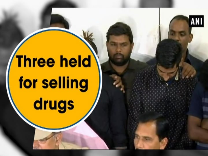 Three held for selling drugs