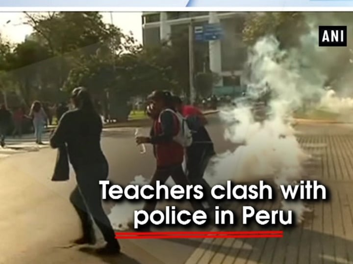 Teachers clash with police in Peru