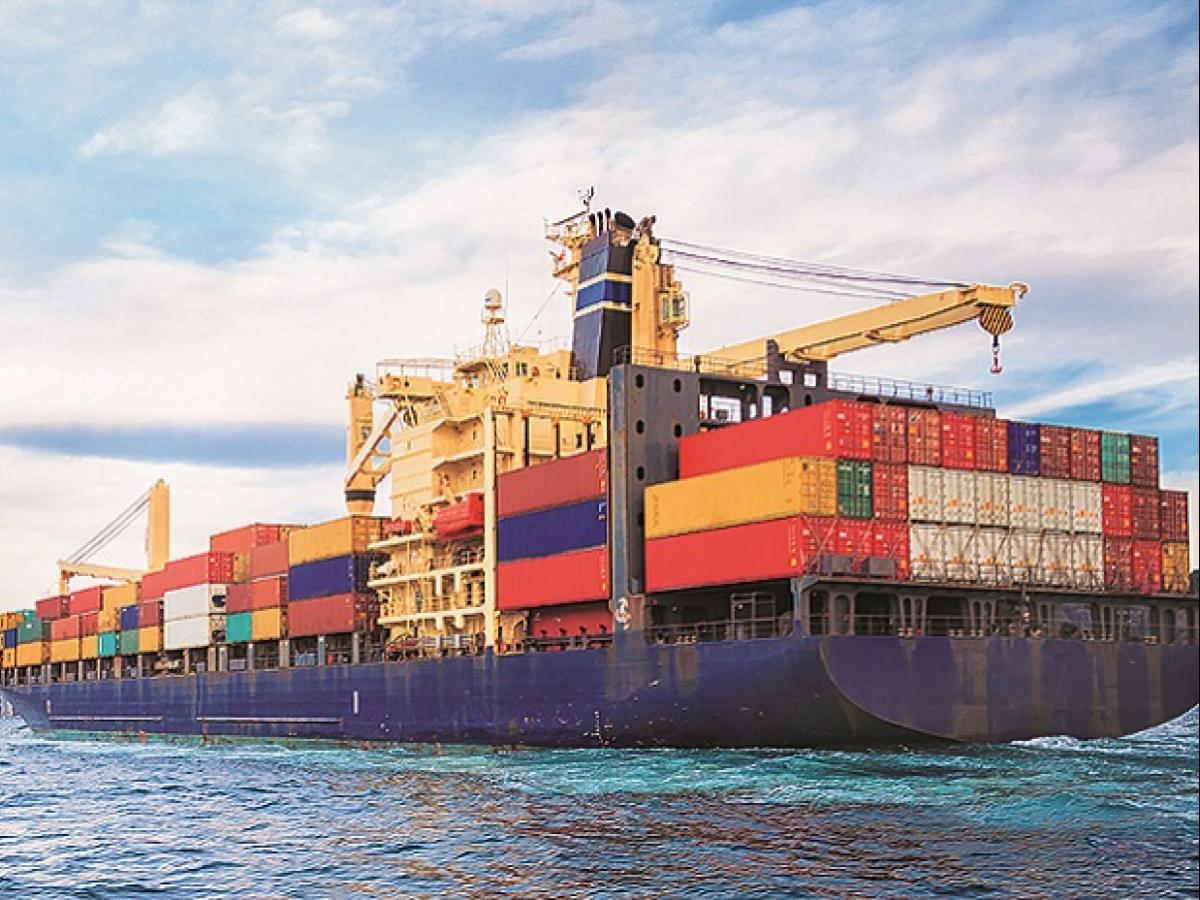 Value of goods cleared from SEZ to DTA must follow Customs