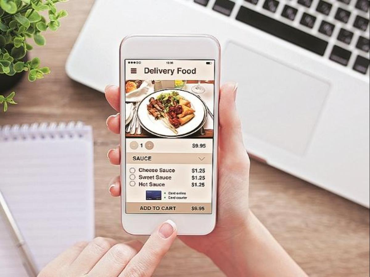 India's online food ordering sector growing at 15% every