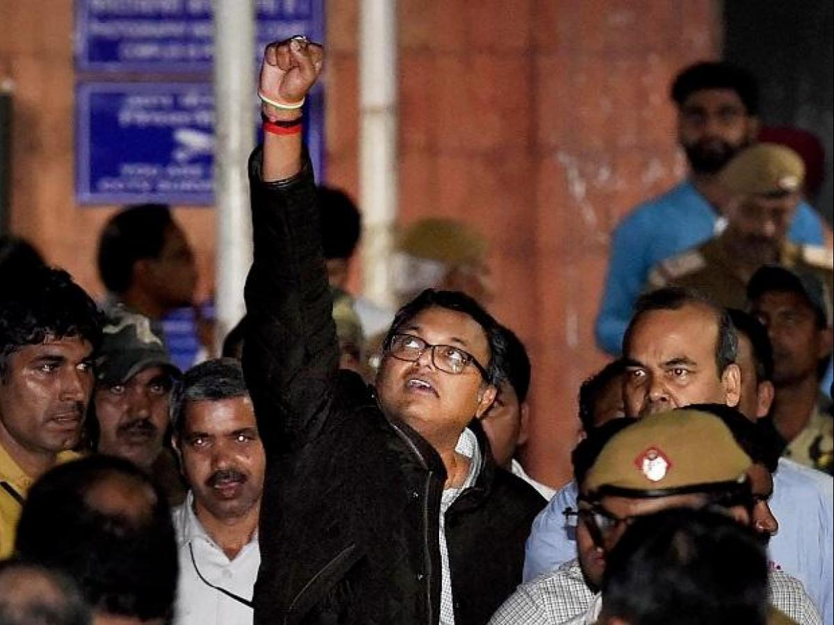 Wear gold chains, get medicines but have our food: CBI to Karti