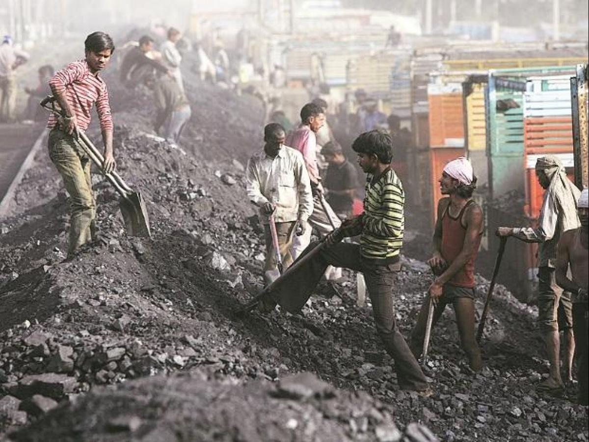Coal India to keep prices lower than pvt miners under coal