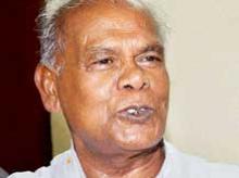 Manjhi's HAM breaks alliance, to go solo in Bihar, Jharkhand state polls