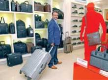 Samsonite to open 50 format stores by year-end