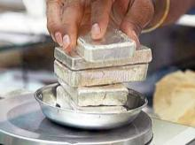 Silver climbs Rs 800 a kg on global cues, gold down