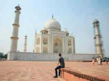 Mark Zuckerberg at Taj Mahal in Agra.  (Photo: Facebook)