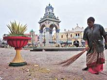 Government to sanitize 10 tourists, 10 reserves under Swachh Bharat