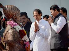 Maharashtra Chief Minister Devendra Fadanvis (right) and Shiv Sena President Uddhav Thackeray (File Photo)