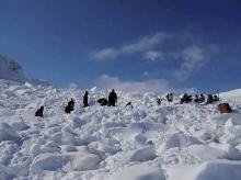 Operations by the specialized teams of the Army and the Air Force in progress to search for the bodies of the soldiers hit by an avalanche, in Siachen. Photo: PTI