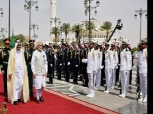Prime Minister Narendra Modi being received by Saudi King Salman bin Abdulaziz  at the official welcome ceremony at the Royal Court, in Riyadh, Saudi Arabia