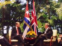 Cuban President Raul Castro (right) and Secretary of State for Foreign & Commonwealth Affairs Philip Hammond in Cuba (Source: Twitter)