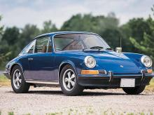 1972 Porsche 911 S Coupe: This vintage 911 comes with a five-speed manual transmission and four-wheel disc brakes. Price: $150,000-$200,000