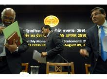(From left) Deputy Governor, RBI, R Gandhi, Raghuram Rajan, RBI Governor and  Deputy Governor RBI, Urjit Patel, during the press conference on monteary policy in Mumbai (Pic: Raghuram Rajan)