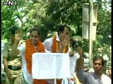 Gymnast Dipa Karmakar arrives in Agartala, gets a grand welcome